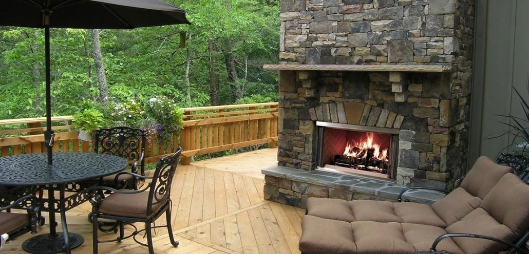 <h1>Outdoor living here we come!</h1><span>Still enjoy a beautiful gas fireplace outdoors</span>